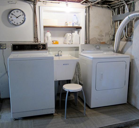 Zero Dollar Laundry RoomMakeover