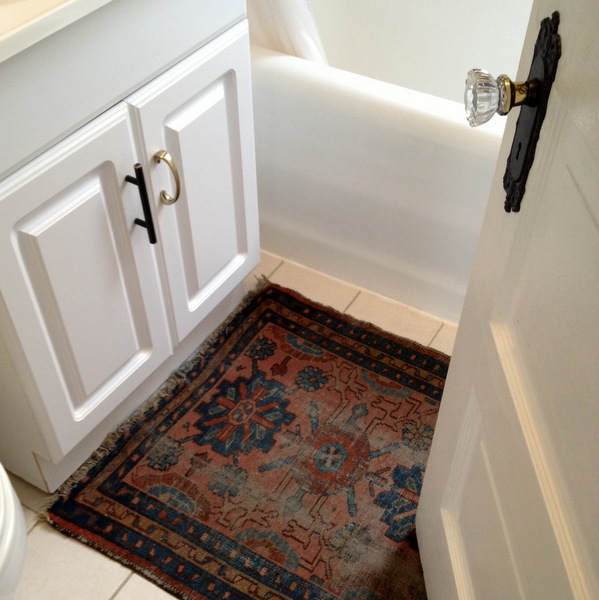 Bathroom Rug and Hardware
