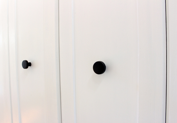 Closet Trim and Knobs.JPG