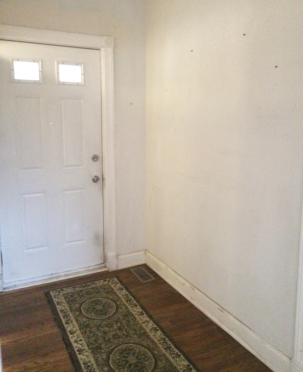 entryway-before