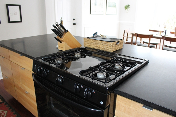Kitchen Range Black.jpg