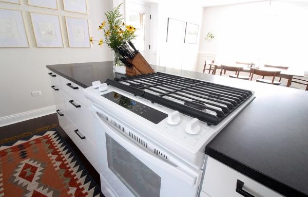 Kitchen Range White.jpg