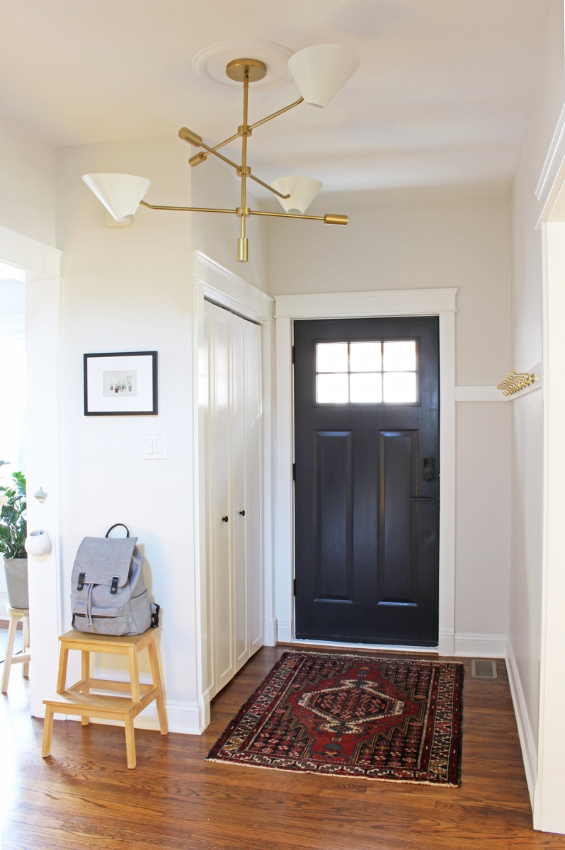 Bungalow Entryway With Diy Hook Rail Project Palermo