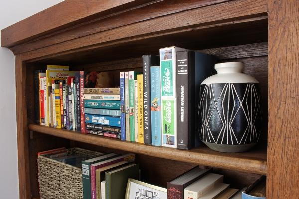 Left Bookcase Vase Post.jpg