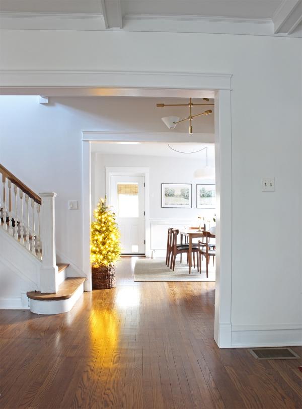 Living Room Moulding.jpg